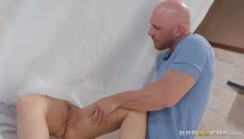 Dillion warms herself up with an enormous dildo