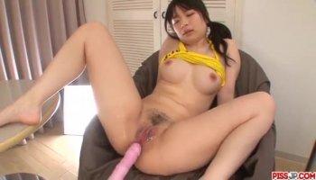 Webcam Teen Spreads Her Asshole